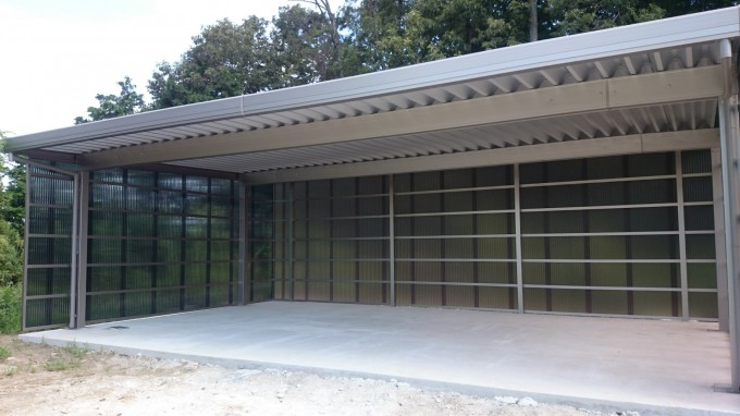 折板屋根カーポート