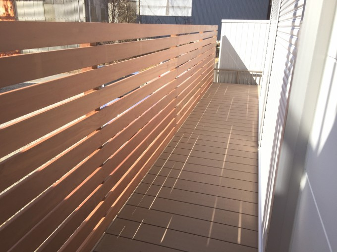 樹脂デッキ 幕板フェンス